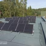 pokrycie dachu panelami słonecznymi